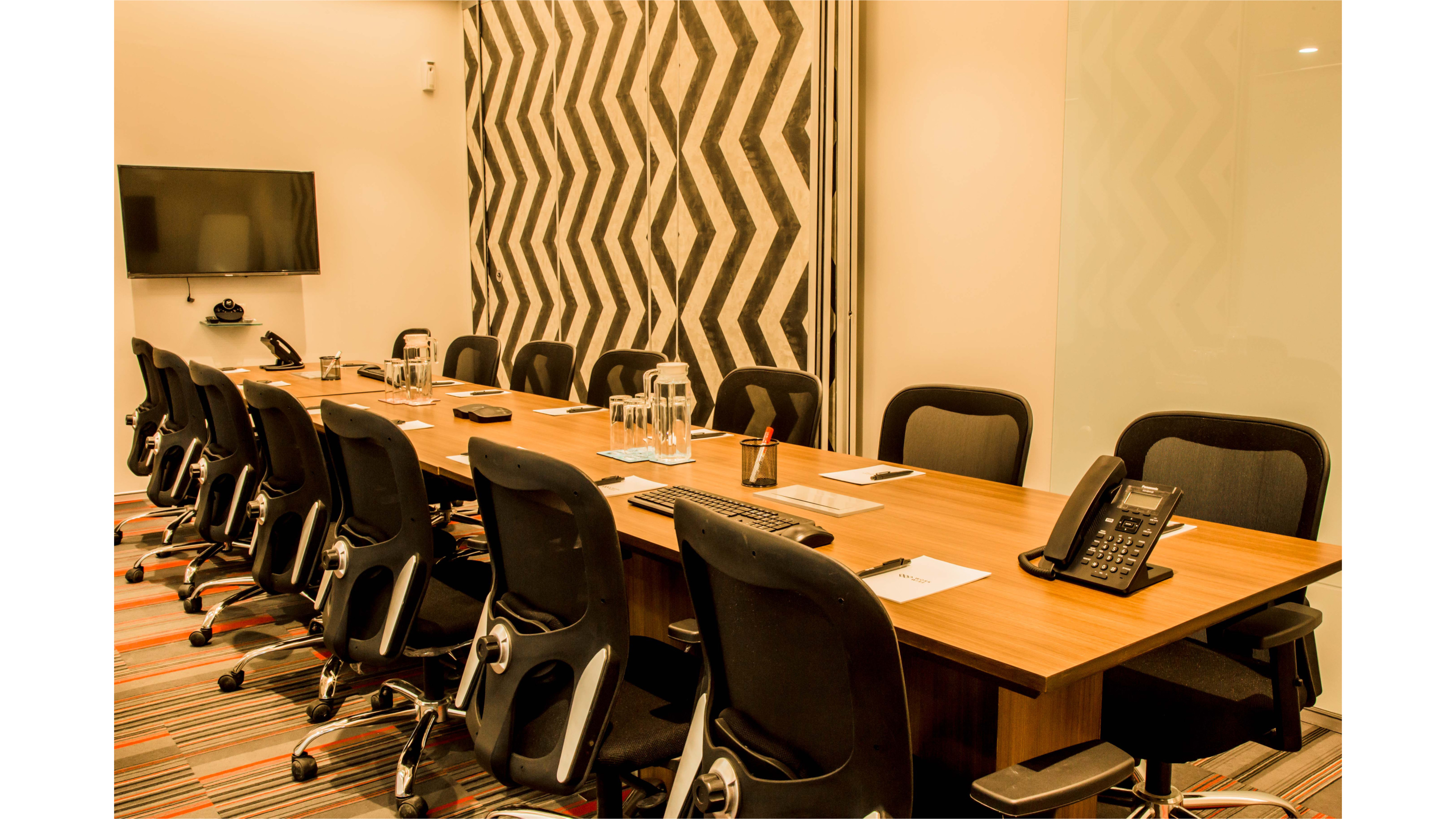GoSpace 6086 8 Seater Meeting Room | Lower Parel