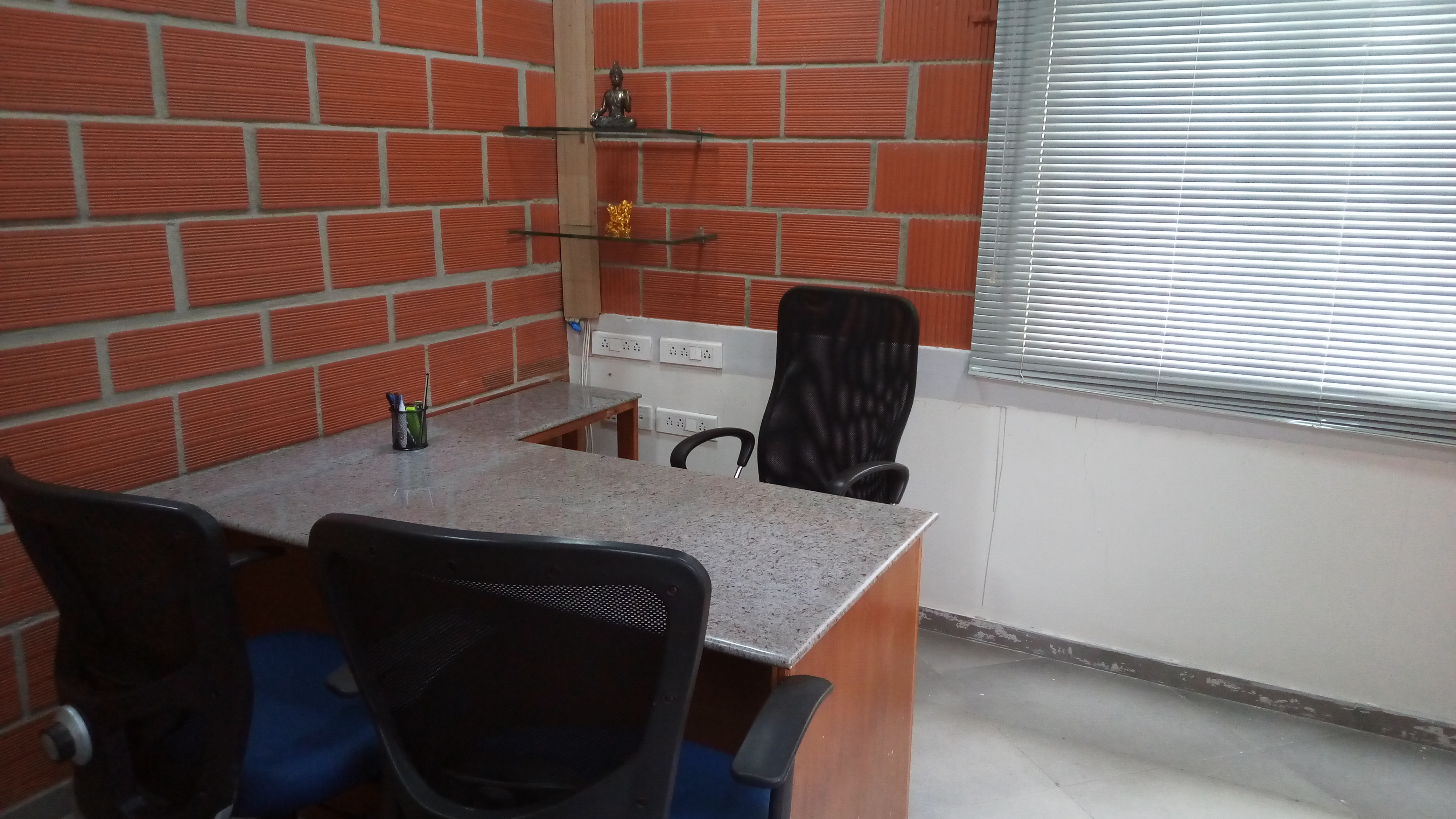 GoOffice 1207 10 Seater Private Cabin