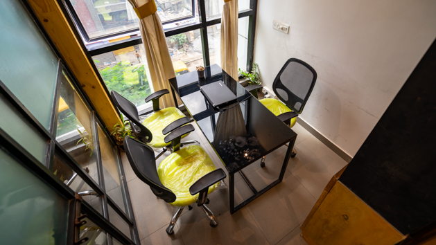 GoOffice 2019 3 Seater Private Cabin