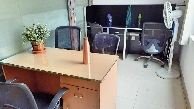 GoOffice 3045 4 Seater Private Cabin