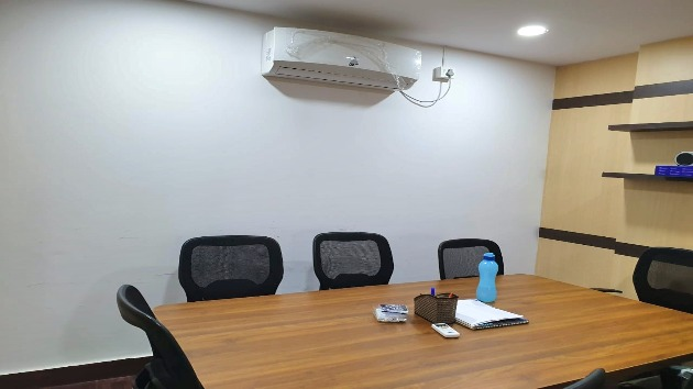 GoSpace 2170 7 Seater - Meeting Room