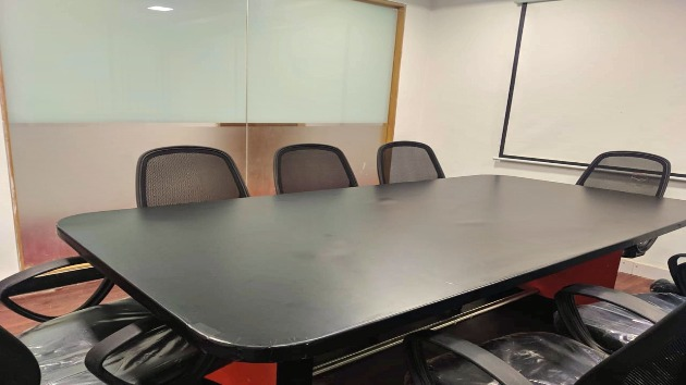 GoSpace 1128 8 Seater - Meeting Room