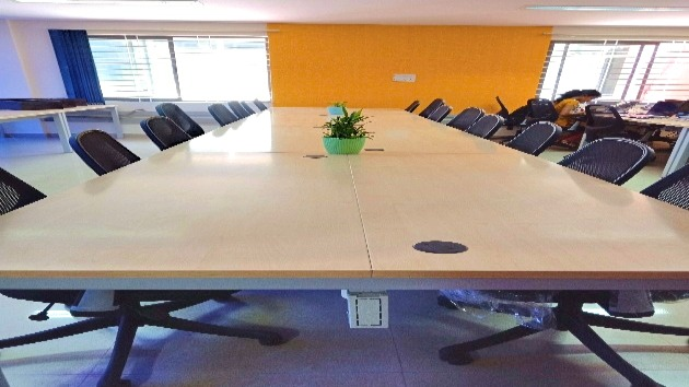 GoOffice 2254 Open Desks