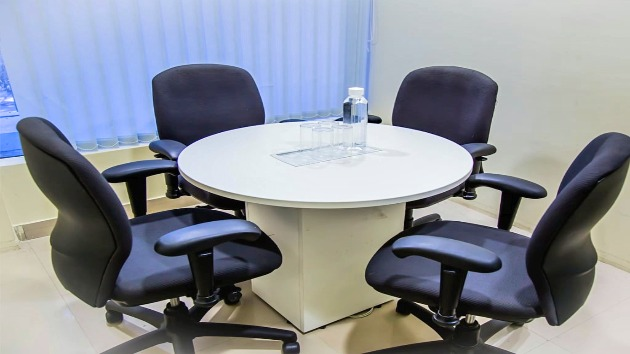 GoSpace 2337 4 Seater - Meeting Room