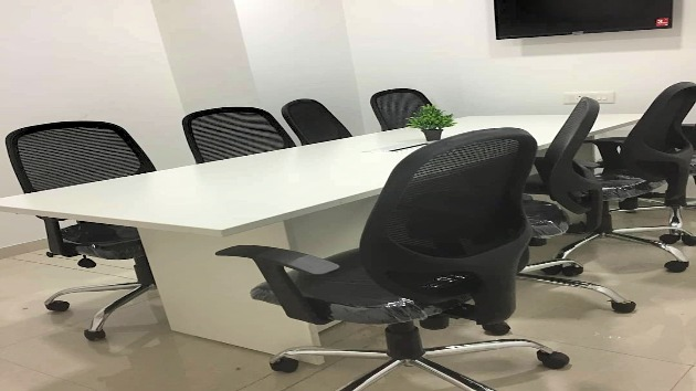 GoSpace 5015 8 Seater - Conference Room