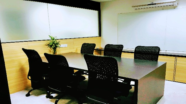 GoSpace 6015 6 Seater - Meeting Room