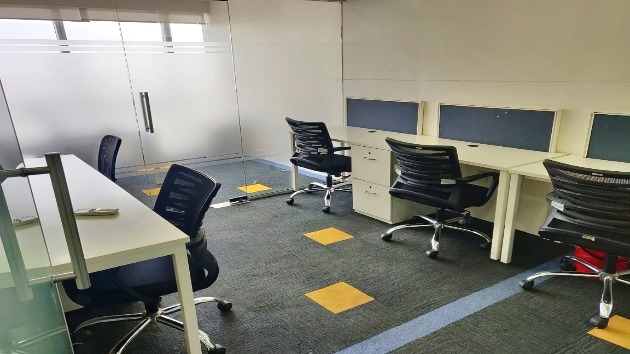 GoOffice 6100 Dedicated Desk | Vashi