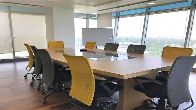 GoSpace 8024 8 Seater - Meeting Room