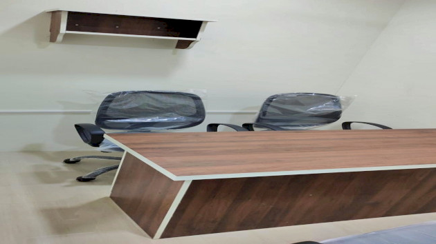 GoOffice 4027 4 Seater Private Cabin