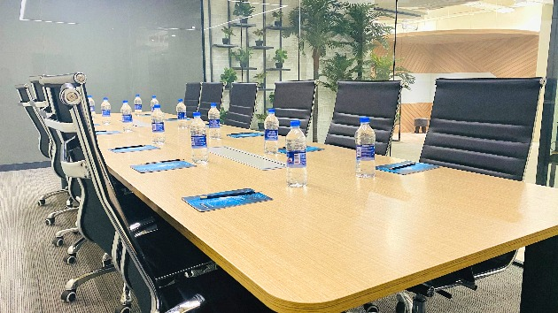 GoSpace 1309 12 Seater - Conference Room