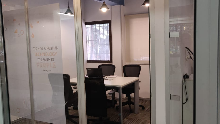 GoSpace 2692 3 Seater Meeting Room | MG Road