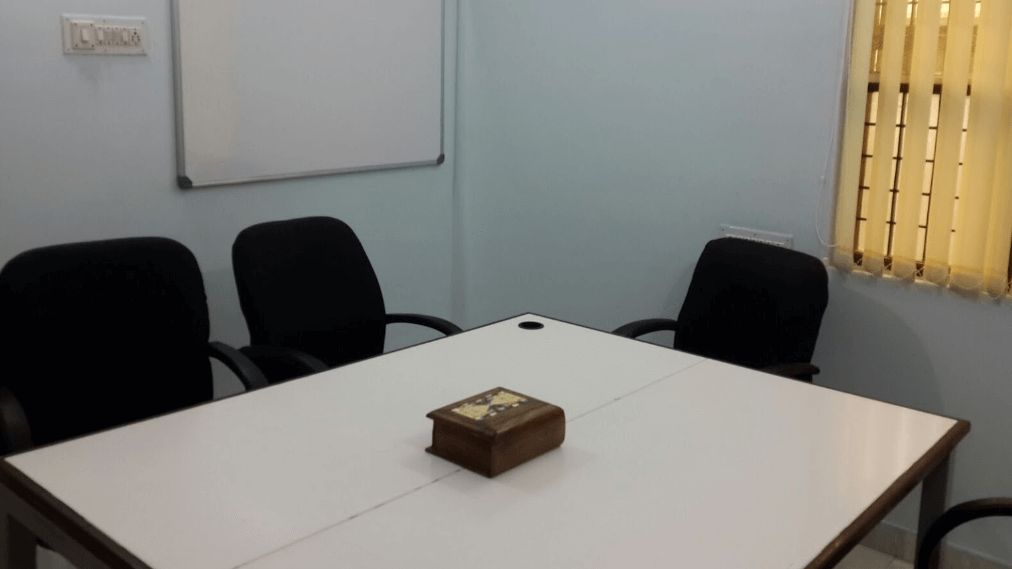 GoSpace 8120 4 Seater Meeting Room | Sector 132