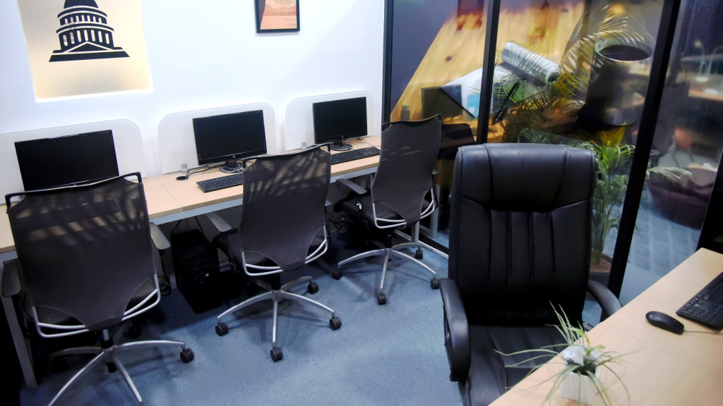 GoOffice 1351 5 Seater  Private cabin S1 | Anna Nagar