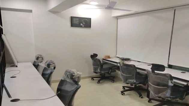 GoOffice 8204 6 Seater Private Cabin | Vijay Nagar | Indore