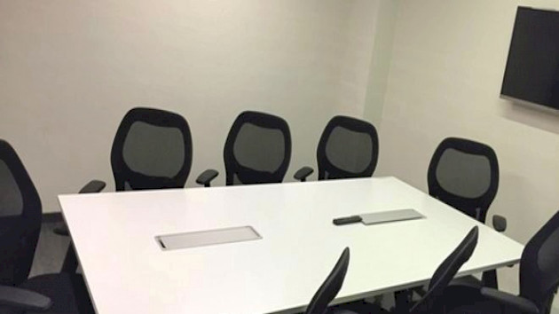 GoSpace 1301 8 Seater - Conference Room