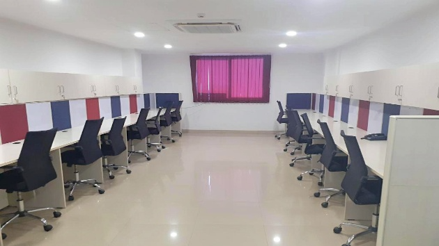 GoOffice 1327 80 Seater + 5 Manager Cabins + Conference Room + Pantry + Reception