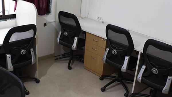 GoOffice 5118 Dedicated Desks | Baner
