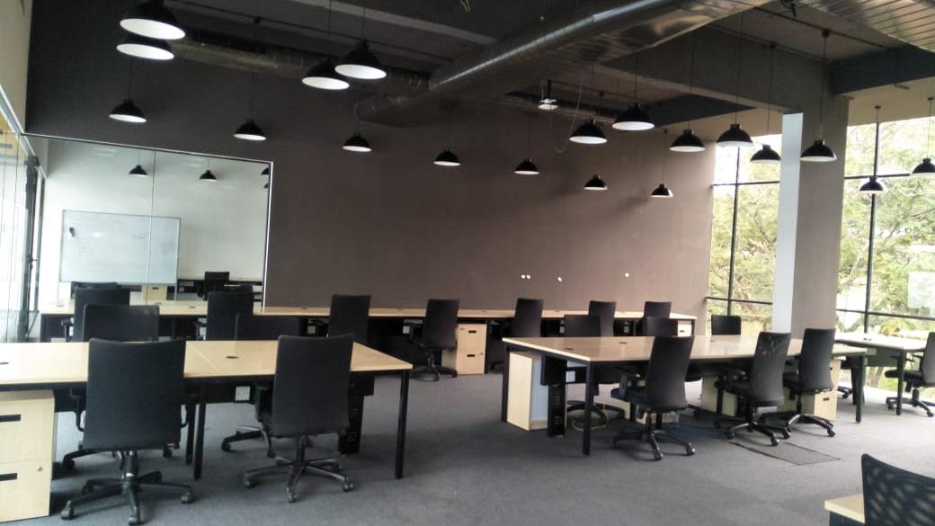 GoOffice 2714 Dedicated Desks | Whitefield