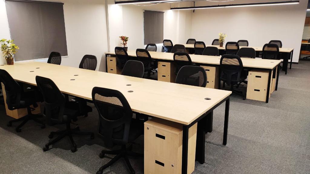 GoOffice 2721 Dedicated Desks | Whitefield