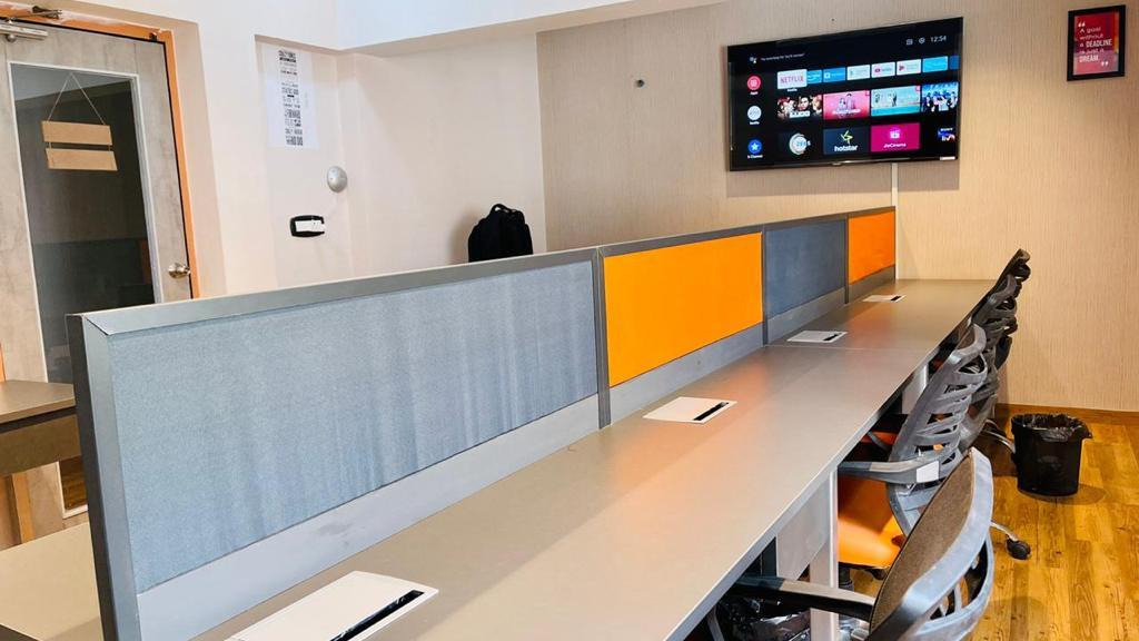 GoOffice 4058 Open Desk | DreamerZ Ahmedabad