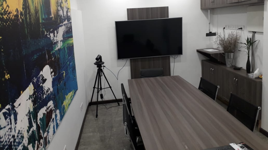 GoSpace 7157 8 Seater Meeting Room | Defence Colony